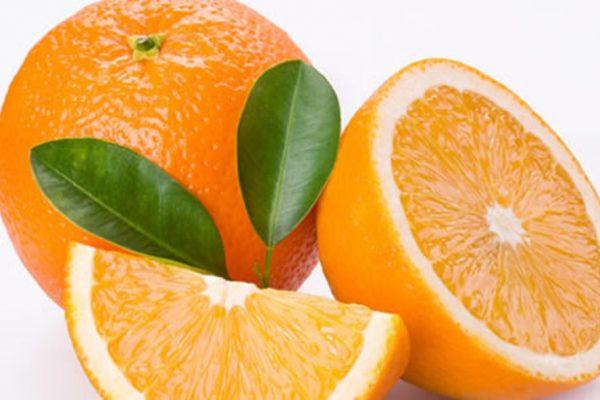 Ăn cam sẽ giảm nguy cơ thoái hóa điểm vàng