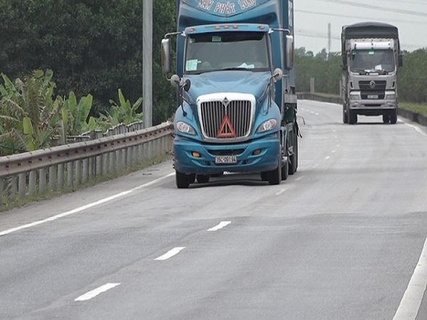 Cao tốc Hà Nội - Thái Nguyên 10.000 tỷ đồng lồi lõm kéo dài cả km