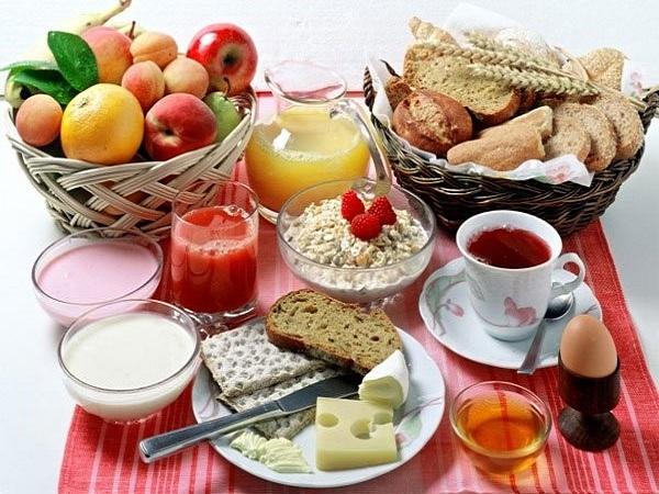 Người bị dạ dày nên ăn gì vào buổi sáng?