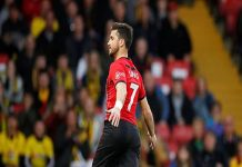 Shane Long ghi bàn thắng nhanh nhất lịch sử Ngoại hạng Anh