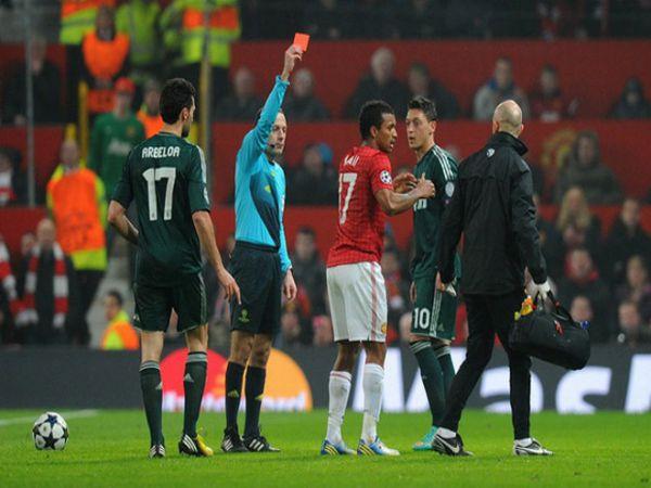 Nani kêu oan cho rằng tấm thẻ đỏ là quá oan uổng