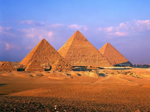Kỳ quan thế giới: Kim tự tháp Giza - Ai Cập