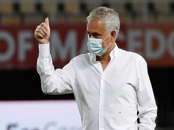 Bóng đá quốc tế tối 29/9: Mourinho khóc thét vì lịch thi đấu