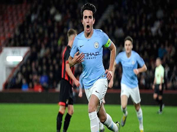 Bóng đá Anh 1/3: MU nhắm trung vệ của Man City
