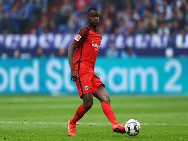Tin CN 16/3: Arsenal nhắm mua trung vệ trẻ Evan N'Dicka