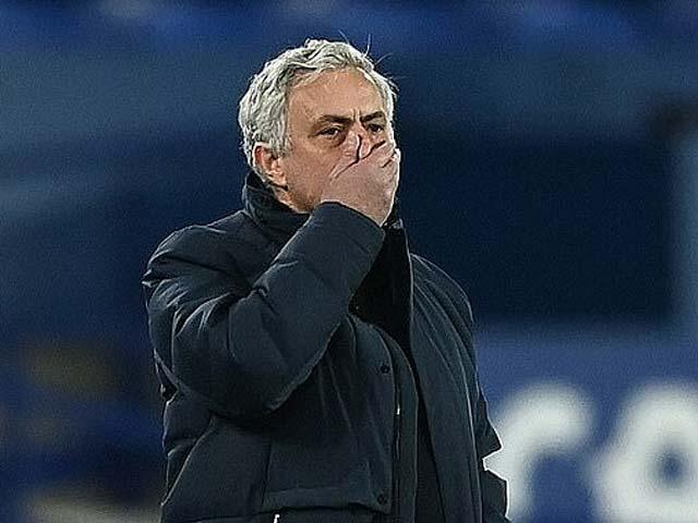 """Mourinho bị Tottenham sa thải câu chuyện về """"người đặc biệt"""""""